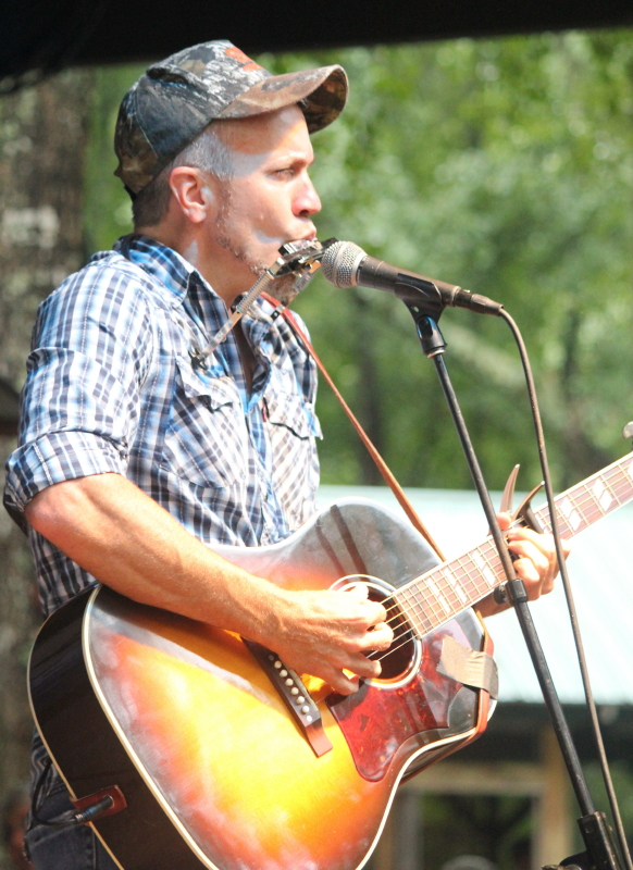 J J Grey Delivered Sweet Southern Sets Both Acoustic and With The Deep Grooving Mofro!
