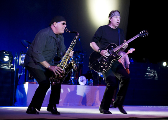George Thorogood Destroyed Boca Raton. Who Do You Love? George Thorogood rocked Boca Raton's Sunset Cove Amphitheatre on Friday November 13. AEG LIVE produced a great evening of classic rock!